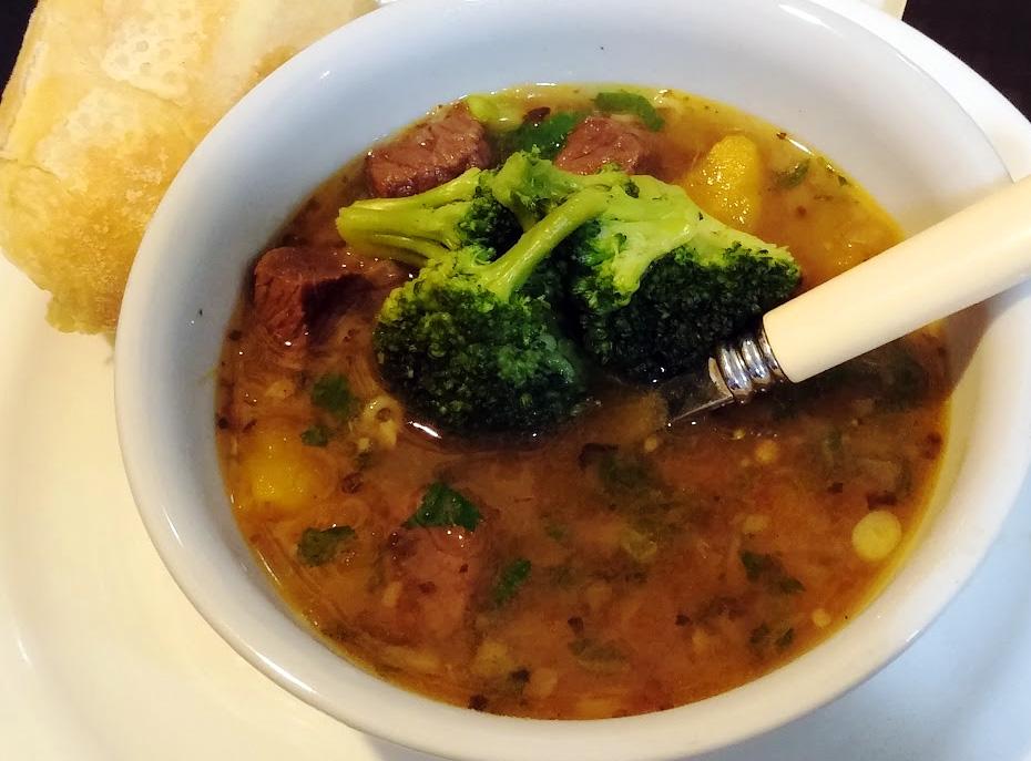 Sopa de Carne com Mandioca